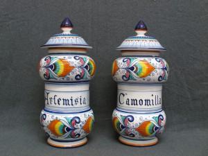 118_-_coppia_vasi_farmacia_camomilla_artemisia